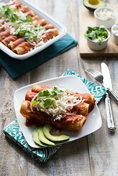 Best Ever Chicken Enchiladas www.pineappleandcoconut.com