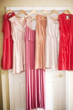 Bridesmaid's color palette ~ from blush to coral and pink ~ love these colors! Photography by lauren-wakefield.com