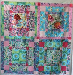 Blooming Garden Hapi Quilt on Craftsy! - Looking for quilting project inspiration? Check out Blooming Garden Hapi Quilt by member Astrid QuPyQ. - via @Craftsy
