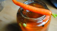 Peppered Pickled Carrots: Make Your Own Pickles