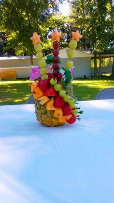 Comidas decoradas on pinterest fruit carvings food - Pinas decoradas para centro de mesa ...