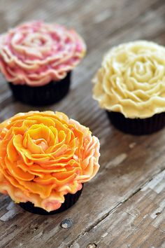 Mini Flower Cupcakes! #spring #Reliv #cupcakes
