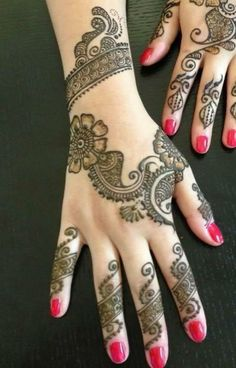 Henna Design - So pretty with hot pink nails!