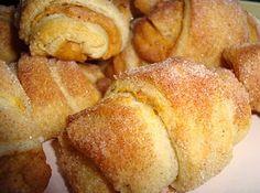 PUMPKIN PIE CROISSANT... Crescent rolls, cream cheese, canned pumpkin, pumpkin pie spice, sugar.
