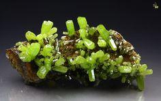Gemmy, intense green Pyromorphite from Daoping Mine, Gongcheng Co., Guilin Prefecture, Guangxi Zhuang Autonomous Region, China
