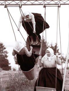 Swinging grannies, 1966