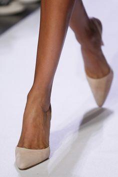 nude pump, catwalk