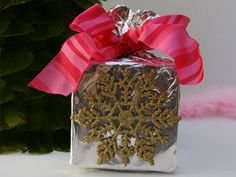 Handmade Christmas Gift Wrap Ideas   Reader's Digest Dec 21