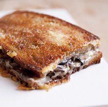 Toasted mushroom sandwich