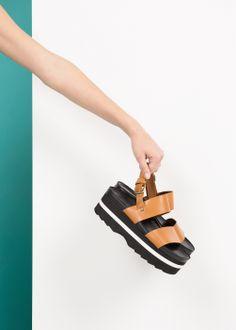 Sandalia flatform piel mango.es