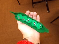 Fun with Friends at Storytime: Five Little Peas