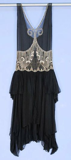 1920s Deco beaded chiffon dress sold at Whitaker Auctions, via Husk, du skal dø.
