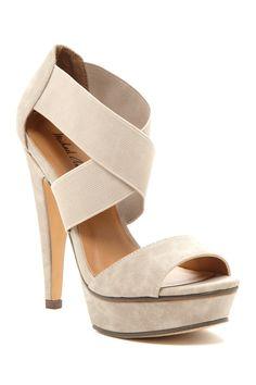 Michael Antonio Tamms Crisscross Heel Sandal//