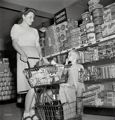 Grocery shopping 1942