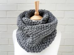 Chunky Grey Scarf - I can totally knit this myself!