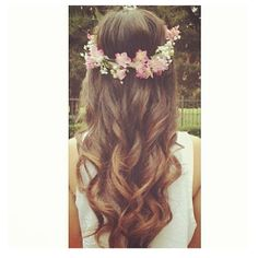 Lovely hair with flower crown. ♡