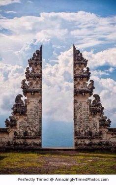 Pura Lempuyang Door | Amazingly Timed Photos