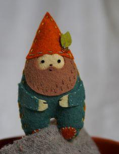 felt gnome - free pattern cherri, patterns, felt ornaments, felt gnome, gnomes, christmas trees, stitches, atelier, finger puppets
