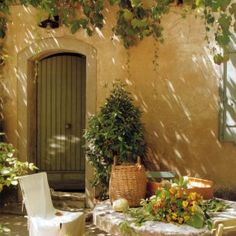 Living in provence france on pinterest provence france Maison de provence decoration