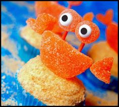 Crab cupcake! Perfect for a beach birthday party! or a spongebob theme.....