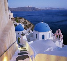 7. The travel hotspot on our wish list: Greece. #bareMinerals #READYtowin