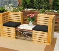 Skid Furniture On Pinterest Pallet Chaise Lounges