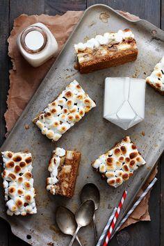 Dulce de Leche Banana Cookies and Cream Bars via Bakers Royale