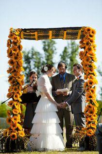 wedding ceremonies, the doors, idea, wedding trends, wedding altars, sunflowers, wedding arches, wedding flowers, summer weddings