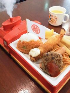 """""""Okosama Lunch"""" in Japanese, Lunch for Kids on Locomotive Plate with Steam, Mitsukoshi Department Store (Tokyo, Japan) 三越のお子様ランチ"""