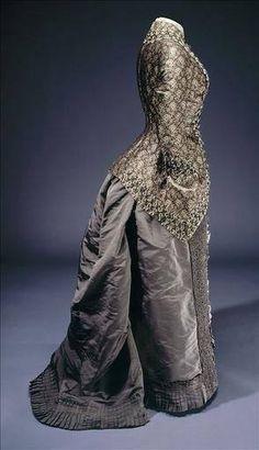 1875-80 from the Galleria de la Mode Paris  (I love the length on the bodice)