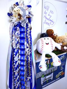 Sports Roses mascot Billy Baseball shows off his Sports Roses Homecoming Mum - it features 2 Baseball Roses and 2 Football Roses.  He's looking for a very lucky Texas Belle to be his date and wear his very special mum.  More info about Sports Roses can be found here:  http://sportro.se/mums-garters