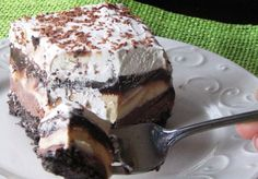 Dairy Queen Inspired Ice Cream Cake  I just want the crunchy fudge stuff. Its so addicting