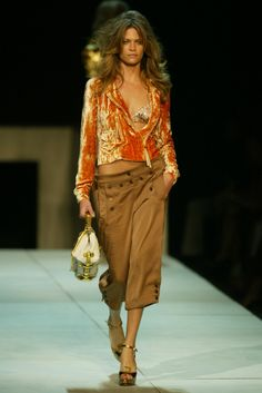 Louis Vuitton RTW Spring 2004 [Photo by WWD Archive]