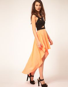 Love this cut-out style maxi dress.