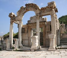 The facade of this ancient and wondrous temple has four Corinthian columns supporting an exquisite curved arch, the middle of which contains a relief of Tyche, the goddess of victory.