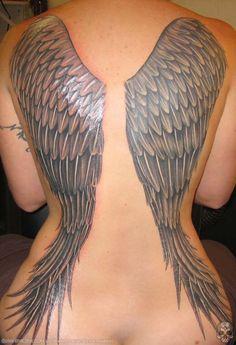 татуировка девушка с крыльями фото