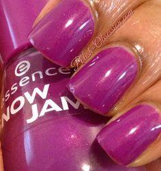 Polish Obsession: Essence - Lilac Is My Style #essence #nailpolish