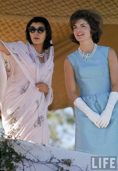 Jacqueline Kennedy in blue silk in India 1962
