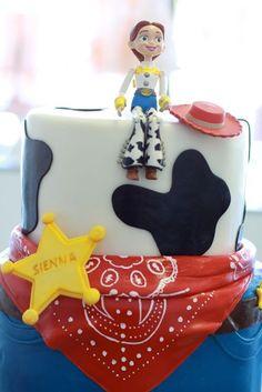 toy story jessie cake, jessi cake, jess toy, cake design, jesse toy cupcakes, toy stori, brooki cake, cake cake, stori jessi