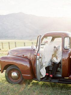 wedding pics, wedding ideas, old trucks, country weddings, wedding photos