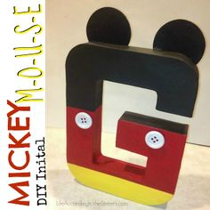 Life According to the Street's: [Mrs. DIY] Mickey Letter Disney