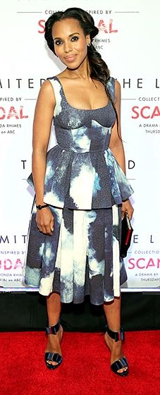 Kerry Washington looked flawless in a blue and white Giles dress paired with metallic sandals and a clutch by Roger Vivier.