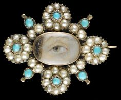 Yellow gold brooche with border of 32 natural oriental half pearlys with 8 small turquoise stones, ca. 1820. Collection of Dr. and Mrs. David Skier. #lookoflove #eyeminiatures #loverseye