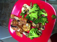 Day 11 of the 17 Day Diet : Baked chicken with broccoli & mushroom ...