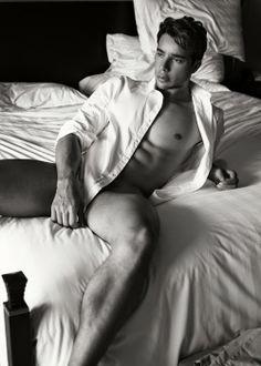Iccaro Pereira naked