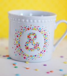 Ampersand mug DIY with Painters paint markers #DIY #crfat #ampersand