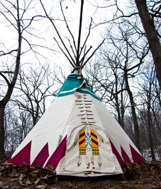 fantastic teepee / tipi on etsy Visit out post of the day for tipi inspiration as well a travel tips and bohemian fashion www.thebohemianinme.com