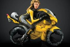 Awesome Body Painting  Contortion (5 Pics)
