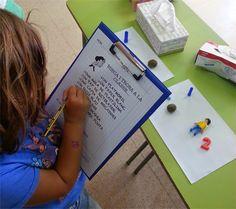 """TresQuatreiCinc: """"BUSCA I TROBA""""... A LA CLASSE. Racó de llegir i escriure. P5. Activitat de lectura de paraules i frases simples."""