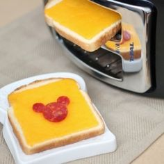 Mickey sandwich + how to make grilled cheese in a toaster!